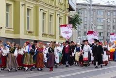 El desfile de la celebración 2011 de la canción y de la danza Imagen de archivo
