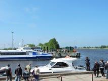 El desfile de las naves celebra en Uostadvaris, Lituania imagen de archivo libre de regalías