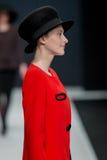 El desfile de moda Pierre Cardin en semana de la moda de Moscú con el amor para Rusia el 22 de marzo de 2016 Fotografía de archivo libre de regalías
