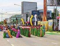 El desfile de mujeres jovenes Imagen de archivo libre de regalías