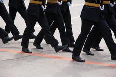 El desfile de soldados fotos de archivo