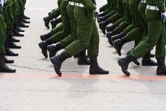 El desfile de soldados fotografía de archivo