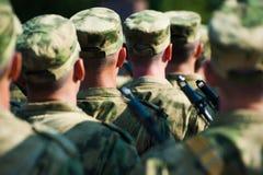 El desfile de soldados fotos de archivo libres de regalías