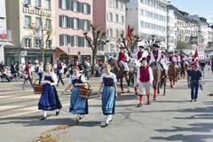 El desfile del día de fiesta de la primavera de Zurich foto de archivo