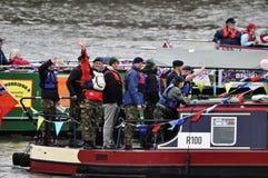 El desfile del jubileo de diamante de Thames Foto de archivo