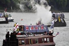 El desfile del jubileo de diamante de Thames Fotos de archivo