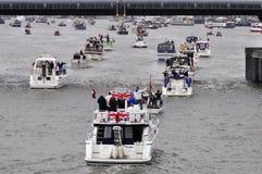 El desfile del jubileo de diamante de Thames Imágenes de archivo libres de regalías