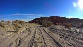El desierto 4X4 campo a través de Anza Borrego - abandone del camino Borrego 5 PALMAS 12 almacen de metraje de vídeo