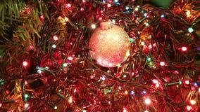 el destellar coloreado llevó luces de un árbol de navidad almacen de video