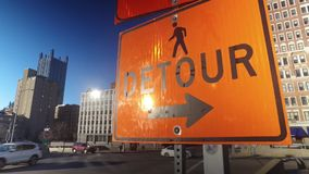 El desvío anaranjado firma adentro Pittsburgh céntrica metrajes
