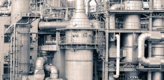El detalle de la planta de la refinería de petróleo en tono del vintage corrige Foto de archivo libre de regalías