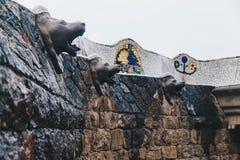 El detalle de los animales dirige en el parque Guell, diseñado por Antonio fotografía de archivo
