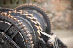 El diente de acero rueda los trinquetes mecánicos de los engranajes del metal Imagen de archivo