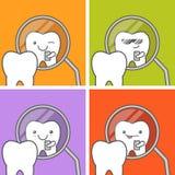 El diente hace el selfie en el espejo dental Fotos de archivo