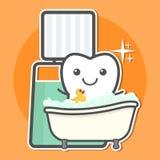 El diente toma un baño del enjuague Foto de archivo libre de regalías