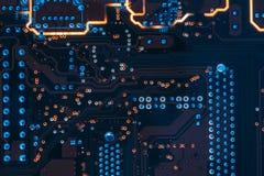 El dirigir impreso de los componentes de la placa de circuito fotos de archivo libres de regalías