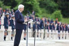 El discurso del presidente de la rep?blica italiana Sergio Mattarella en los militares polacos foto de archivo