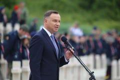 El discurso del presidente de la Rep?blica de Polonia Andrzej Duda en el cementerio militar polaco foto de archivo
