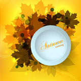 El diseño de tarjeta estacional del otoño elegante con efecto del bokeh, las hojas de arce y un 3d ponen en contraste el cuadro d Fotografía de archivo
