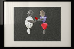 El diseño de tarjeta - par en el amor hecho de piedras - un muchacho está dando la flor a la muchacha Fotos de archivo libres de regalías