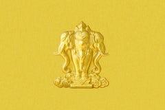 El diseño del estuco del oro de estilo tailandés nativo Fotografía de archivo libre de regalías