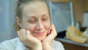 El diseño del clavo Manicuro Closeup Happiness del trabajo metrajes