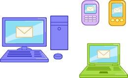 El dispositivo electrónico fijó con el ordenador, el cuaderno y los teléfonos Fotos de archivo libres de regalías