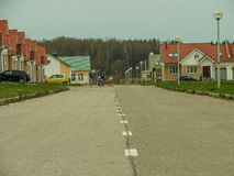El distrito de nuevos prados en la ciudad de Medyn, región de Kaluga en Rusia Imagenes de archivo