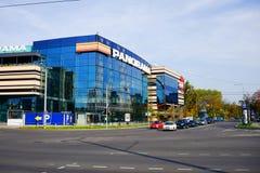 El distrito de Zverynas de la ciudad de Vilna y la tienda del panorama se centran Fotografía de archivo libre de regalías