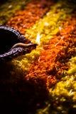 El diya de Diwali o la lámpara de aceite auspecious compuso de teracotta