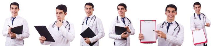 El doctor de sexo masculino aislado en el blanco foto de archivo