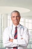 El doctor envejecido medio Portrait foto de archivo libre de regalías