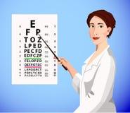 El doctor muestra una carta de ojo Fotografía de archivo