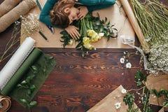 El dormir cansado del florista Fotografía de archivo