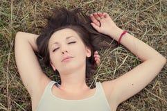 El dormir de la muchacha Fotos de archivo