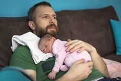 el dormir del bebé del 14-día Foto de archivo
