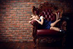 El dormir en la butaca Imagen de archivo libre de regalías