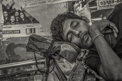 El dormir en la calle Foto de archivo libre de regalías