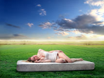 El dormir en naturaleza Imagen de archivo libre de regalías