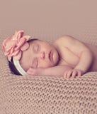 El dormir lindo del bebé Fotos de archivo