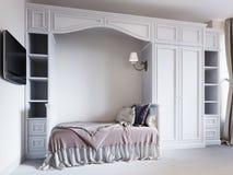 El dormitorio de los niños con una cama en un estilo clásico, con guerra grande ilustración del vector