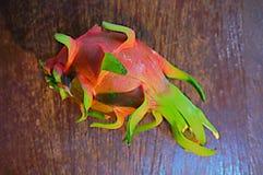 El drag?n da fruto brit?nico del espino del undatus de Hylocercus Y Rose fotografía de archivo libre de regalías