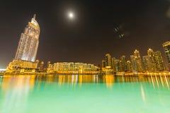 El Dubai - 10 de enero de 2015: el hotel de la dirección encendido Imágenes de archivo libres de regalías