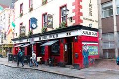 El Dubliner viejo en el distrito de la barra del templo, situado en el southbank del río Liffey en Dublín, Irlanda Fotos de archivo libres de regalías