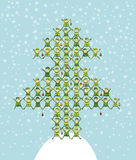 El duende de Santa que hace el árbol de navidad Fotografía de archivo