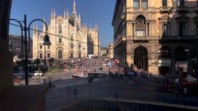 El Duomo, Milán Timelapse de Piazza Duomo en Milán 4K almacen de video