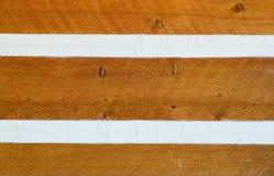El echar a un lado en la cabaña de madera Imagen de archivo