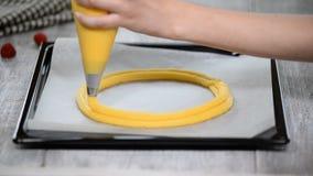 El Eclair suena proceso de panadería Fabricación de París Brest almacen de video