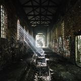 El edificio abandonado verti? Inglaterra imagenes de archivo