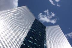El edificio alto moderno Foto de archivo